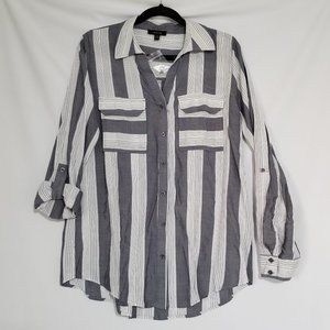 NWOT Mine Grey Striped Button Up Shirt  Medium